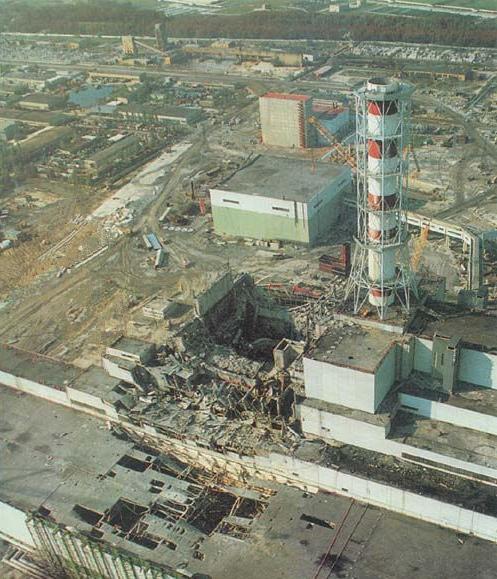 Руины здания, в котором находился бывший ректор №4 Чернобыльской АЭС.